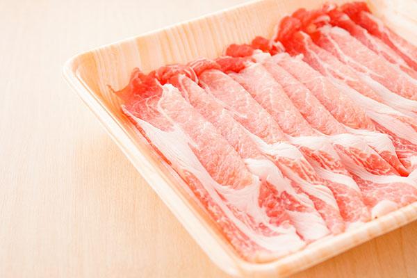 パックに並べられたお肉