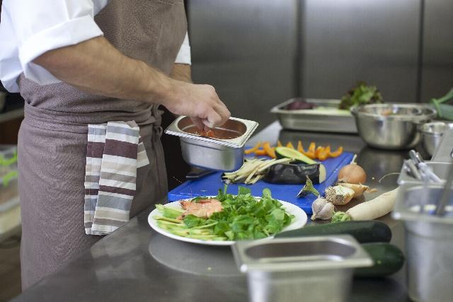 居酒屋の厨房のアルバイト